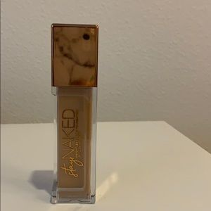 Urban Decay Stay Naked Weightless Foundation
